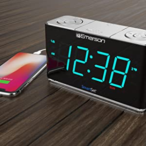 Amazon Com Emerson Smartset Alarm Clock Radio With