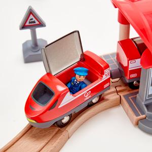 Amazon Com Hape Busy City Train Rail Set Complete City Themed Wooden Rail Toy Set For
