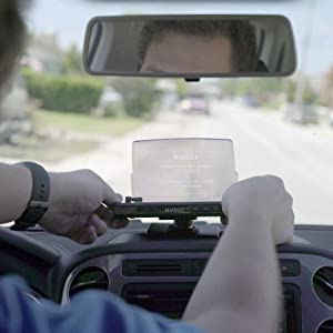 Positioning the Hudly Wireless head-up display HUD on the car dashboard, adjusting display angle