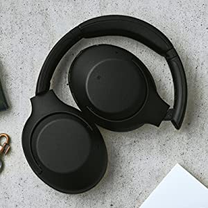 Sleek, foldable design and long-listen comfort