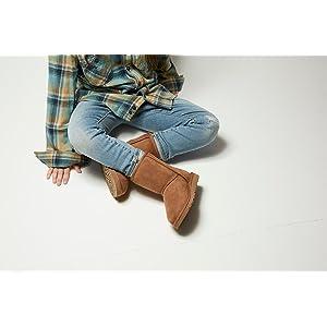 0c2b0a11e69 UGG Kids K Classic II Fashion Boot