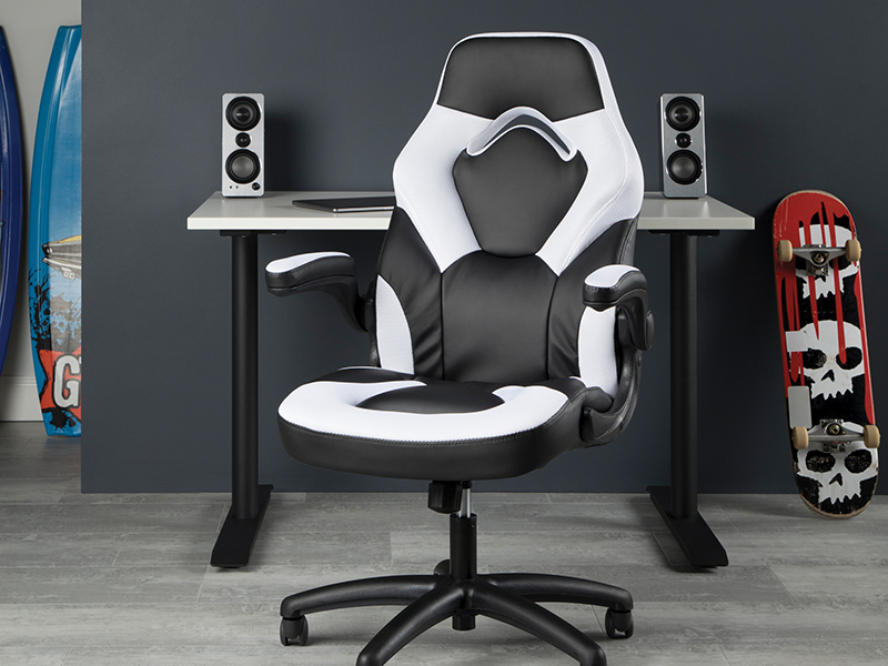 Amazon Com Ofm Ess Collection Gaming Chair White Racing Style Furniture Decor