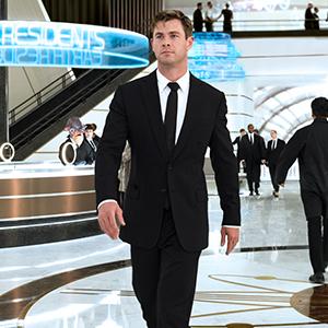 Agent H (Chris Hemsworth) au siège MIB à Londres