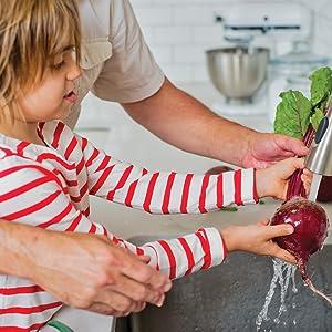 adventures in veggieland;kids and vegetables;vegetables;veggies;children;healthy snacks;healthy food