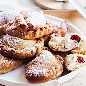 Sweet Panzarotti with Ricotta and Raspberries