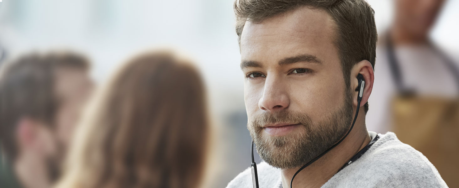 Incredible conversation quality with Jabra 3-microphone technology creating a noise-blocking zone.
