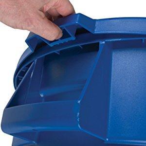 bronco trash can,trash container,waste container, recyclable container,plastic container, gallons