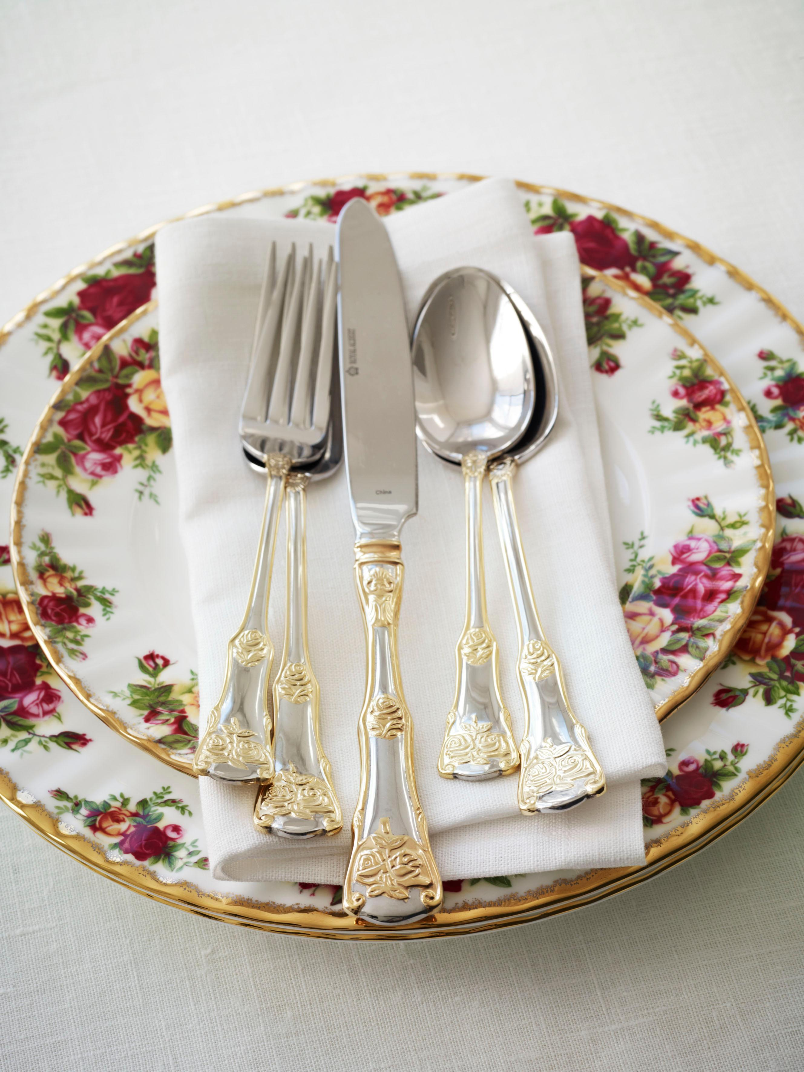 Amazon Com Old Country Roses 20 Piece Flatware Set