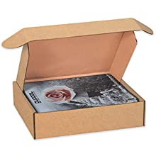 Deluxe literature mailers come with front locking tabs for extra security