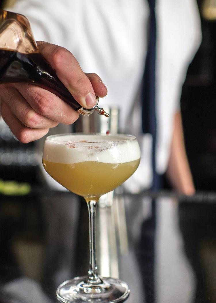 Aviation is a cocktail with a hundred-year history. Recipe and Cooking