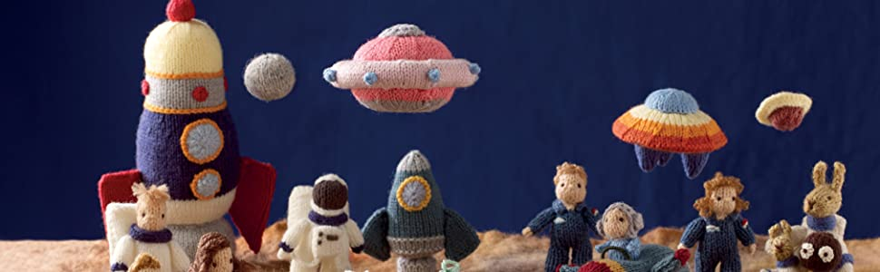 space,astronauts,moon landing,nasa,planets,spaceship,rocket,ufo,alien,mini knitted,cute knits,toys
