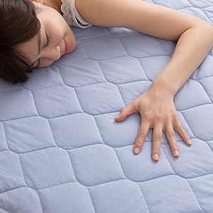 mofua cool ドライコットン敷きパッドは綿100%なのにひんやり気持ちいい。化繊系のクール寝具が苦手な方におすすめの敷きパッドです