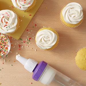 Wilton, Dessert Decorator Plus, cupcake filling, bismark tip, star tip, icing swirl, sprinkles