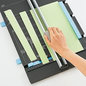 用紙を揃えやすい!平行移動するゲージ
