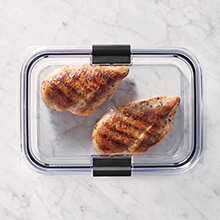 Rubbermaid Brilliance Crystal-Clear Design