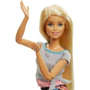 Barbie Fashionista Made to Move, muñeca articulada rubia con top gris (Mattel FTG81)