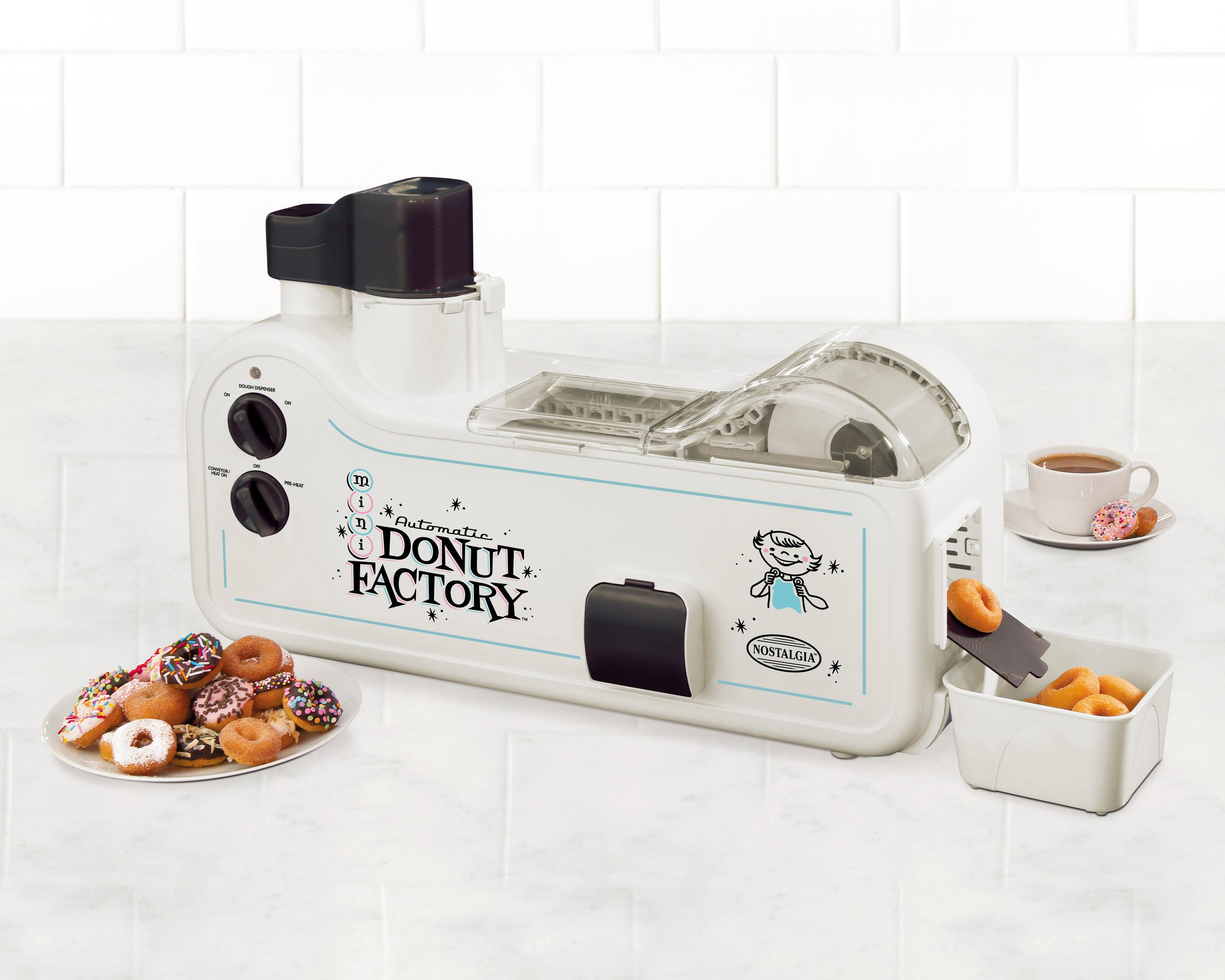 nostalgia mdf200 automatic mini donut factory donut maker kitchen dining. Black Bedroom Furniture Sets. Home Design Ideas
