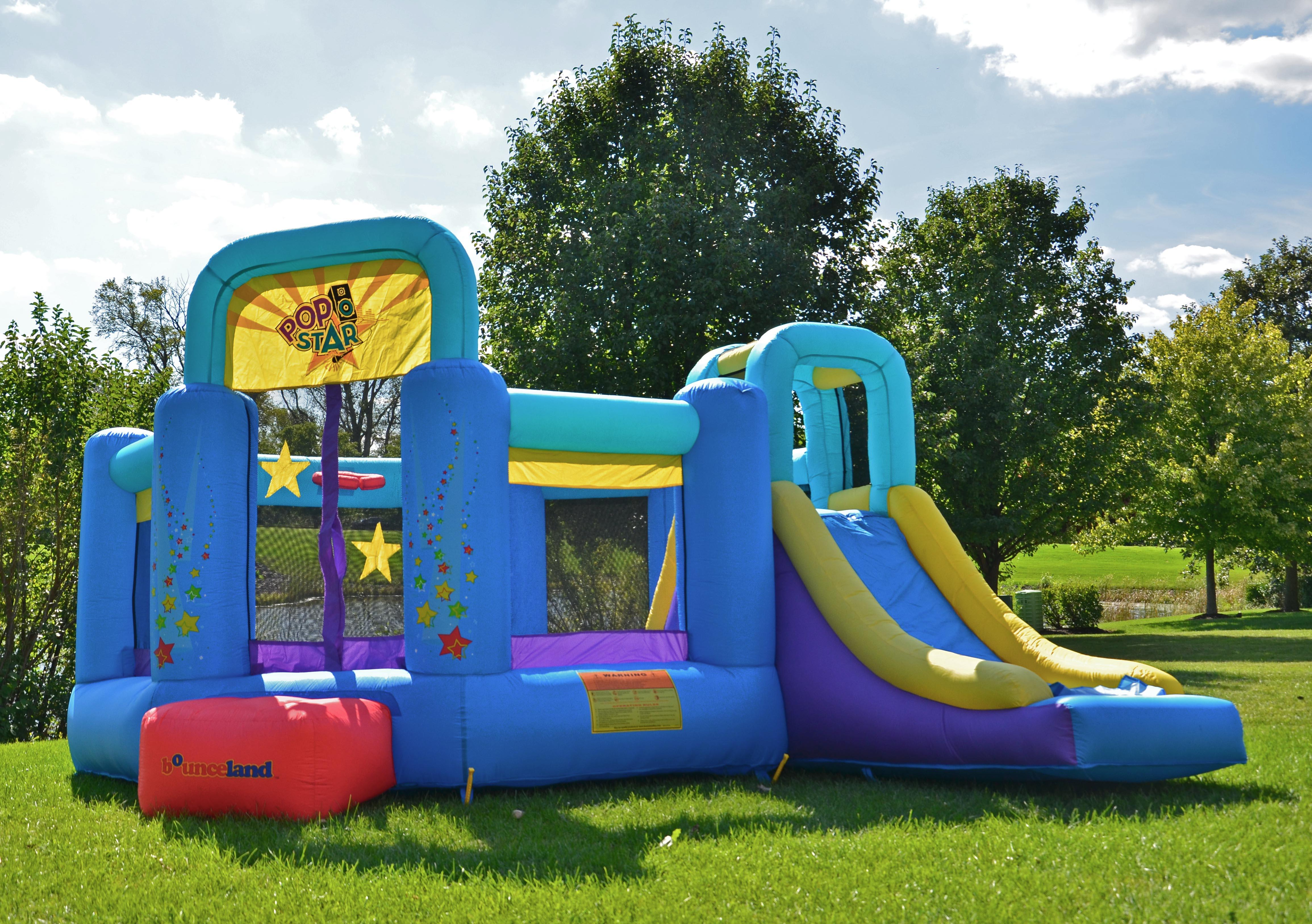 Amazon.com: Castillo hinchable Bounceland Pop Star.: Toys ...