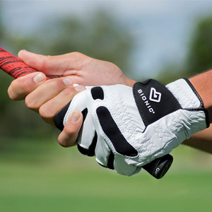 Bionic stablegrip with naturalfit golf gloves premium leather lifestyle image