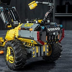 LEGO Technic Volvo Concept Wheel Loader Zeux