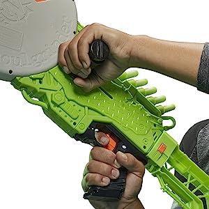 Nerf zombie tấn công con ma cà rồng;  ma cà rồng nerf;  zombie tấn công con ma cà rồng;  súng nerf