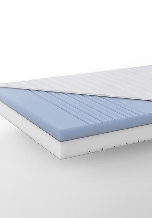 hilding sweden essentials schaumstoffmatratze in wei mittelfeste matratze mit orthop dischem 7. Black Bedroom Furniture Sets. Home Design Ideas