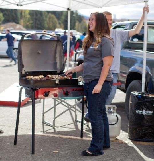 Amazon Com Big Gas 3 Burner Grill Black Red Camping