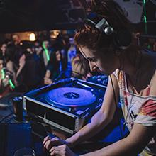Mackie, Thump, Portable, Powered, Loudspeakers, DJ, Club, Bar