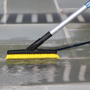 Unger Professional AquaDozer MAX Kit with 24 Smooth Surface Straight Floor Squeegee and 48 Dual End Pole