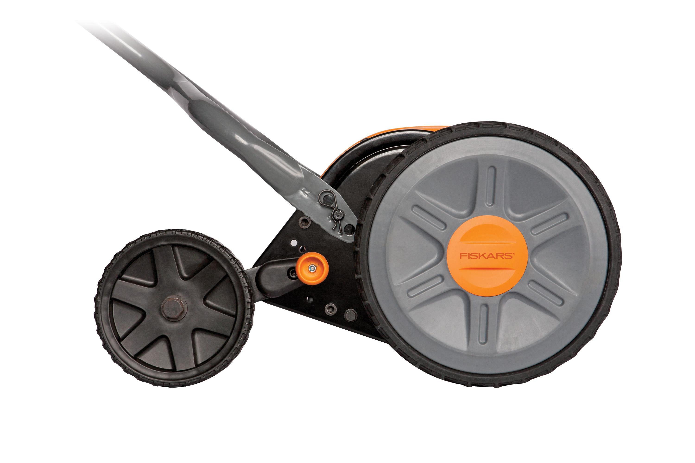 Amazon Com Fiskars 17 Inch Staysharp Plus Reel Mower