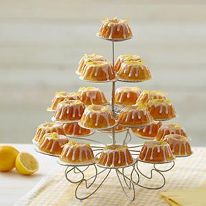 bundt cakes, mini bundt cakes, lemon cake, lemon icing, mini cake stand