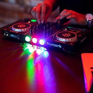 Numark Party Mix 2 Kanal Plug und Play DJ Controller für