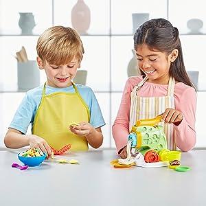 Hasbro Play-Doh B9013EU4 - Nudelmaschine Knete, für