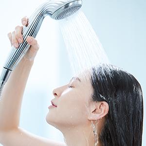 """肌を美しくする泡""""ファインバブル"""" のシャワーヘッド"""