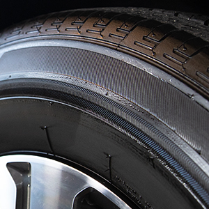 tire dressing,spray tire dressing,tire cleaner,tire shiner,high gloss shine
