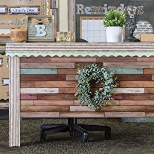 border trim used to decorate a desk