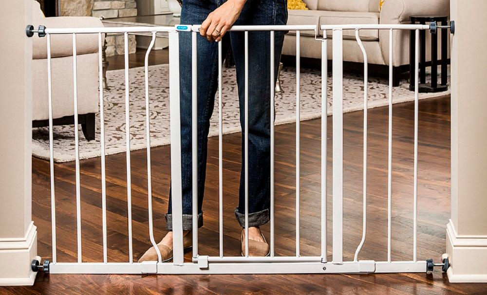 Amazon Com Regalo Easy Open 50 Inch Wide Baby Gate