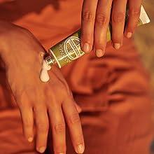 almond hand cream;soft hands;hydrated skin