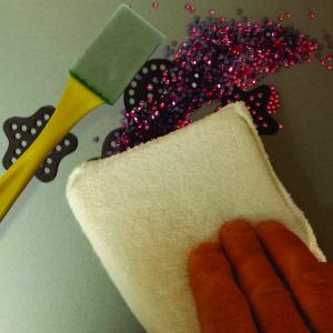 Rhinestone Brush / Sweeping Pad