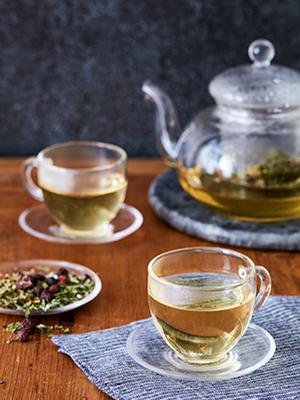 herbal medicine, herbal remedies, herbs, medicinal herbs, rosemary gladstar, herbalism, apothecary
