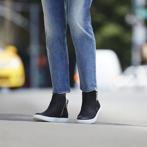 Womens Kiera Fashion Sneaker, Medium Kenneth Cole