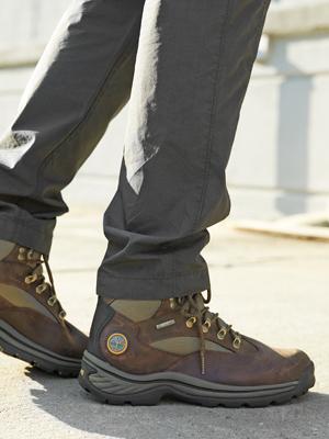 ojo Correctamente Especialidad  Amazon.com | Timberland Men's Chocorua Trail Mid Waterproof Boot | Hiking  Boots
