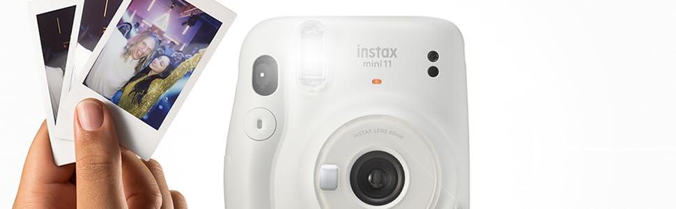 instax mini 11 con mano