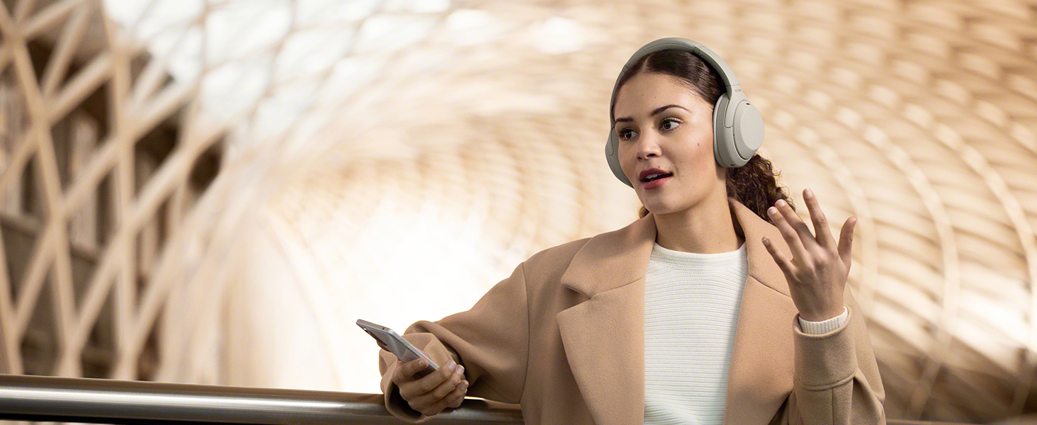 Clear hands-free calling, Sony WH-1000XM4 Bluetooth headphones