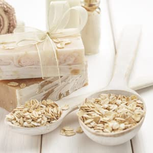 Colloidal Oatmeal helps to hold in moisture to improve dry skin. Oat Extract helps to relieve itch