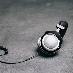 dt 880 pro studio headphones