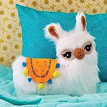 Amazon.com: Klutz Sew Your Own Furry Llama almohada: Klutz ...