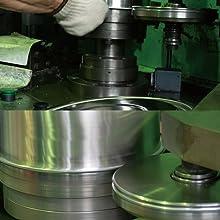 金属加工 職人 燕三 新潟 燕 三条 鍛冶 ステンレス 鍋 鉄 フライパン タンブラー 真空 二重 冷めない 冷たい まま 丈夫 長持ち 磨き 鏡面