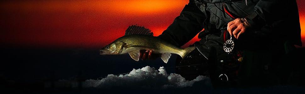 Garmin STRIKER Plus 4 Ice Fishing Bundle