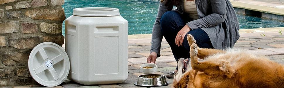 vittles vault, vittle vault, gamma2, pet food container, pet food storage, pet food container 50 lb